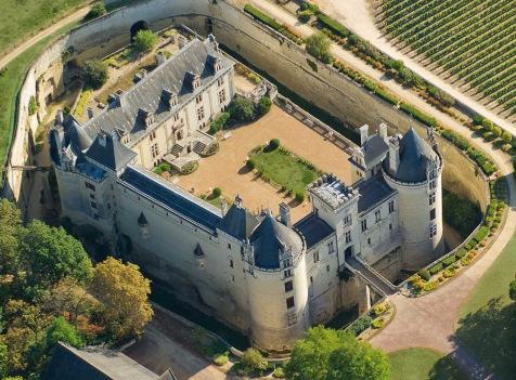 Château de Brézé - un château sous un château